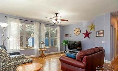 Living Room, 17 Kaweah Ct, 1