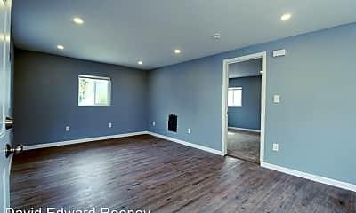 Living Room, 2038 High St, 1