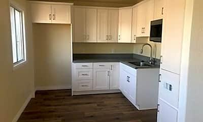 Kitchen, 162 W 66th St, 1