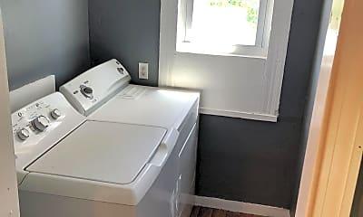 Bathroom, 30 Easton Ave, 1