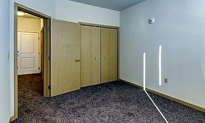 Bedroom, Lake Street Station, 2