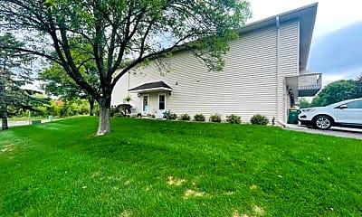 Building, 2349 Grenadier Ave N, 1