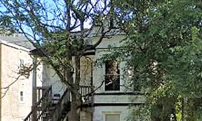Building, 1443 S Avers Ave, 0