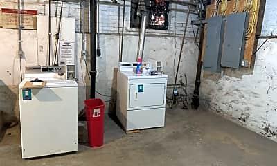 Bathroom, 400 Kendall Pl, 2