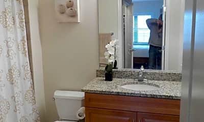 Bathroom, 1111 25th St NW 903, 2