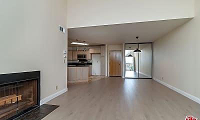 Living Room, 4260 Via Arbolada 317, 1