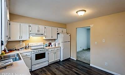 Kitchen, 906 NE Trilein Dr, 1