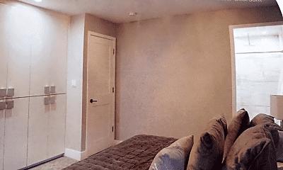 Living Room, 6832 Hamlin Ave, 2