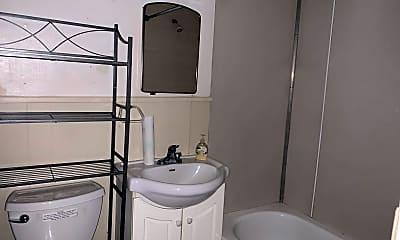Bathroom, 3579 Old Richardson Hwy, 2
