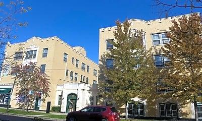 Building, 3955 N Lamon Ave, 0