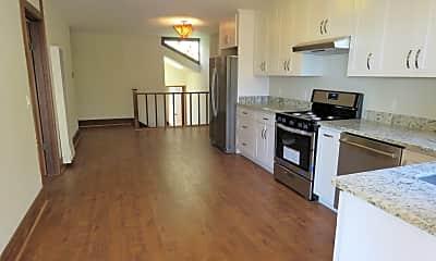 Kitchen, 940 Elizabeth St, 1