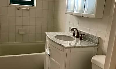 Bathroom, 210 Atlantic Ave C3H, 2