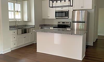 Kitchen, 2219 Lindell Ave, 1