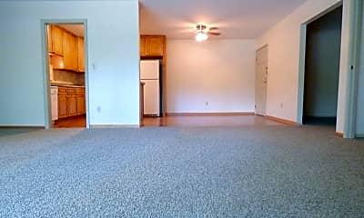 Living Room, 101-140 Linden Lane, 1