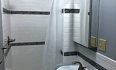 Bathroom, 1307 6th St SE, 1