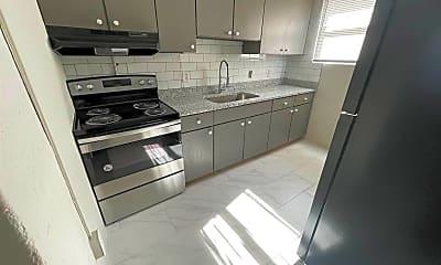 Kitchen, 1129 King St, 2
