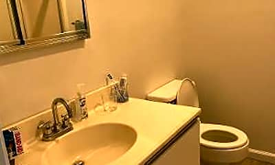 Bathroom, 215 W Morgan Ave 4, 2