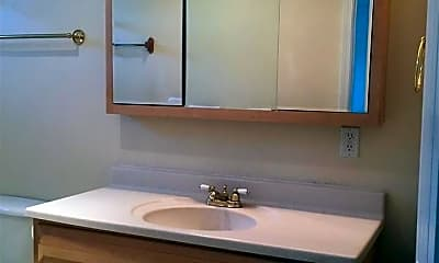 Bathroom, 1424 E St, 2