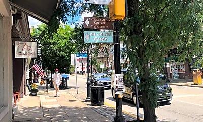 Community Signage, 1 N Main St 2R, 1