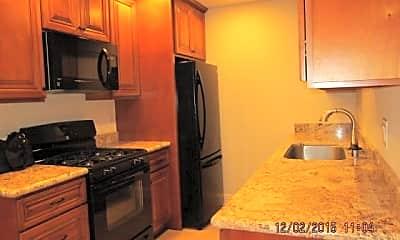 Kitchen, 373 Eldridge Ave, 1
