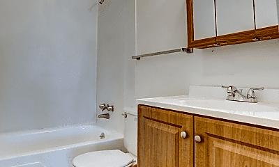 Bathroom, 1901 28th St, 2