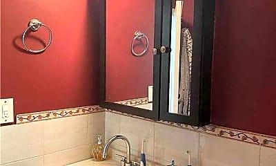 Bathroom, 150-38 Union Tpke 2G, 1