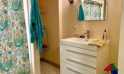 Bathroom, 110 Northfield St, 2