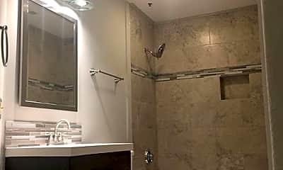 Bathroom, 426 2nd Ave SE, 2