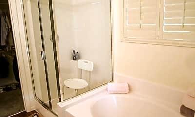 Bathroom, 1053 Fishing St, 2