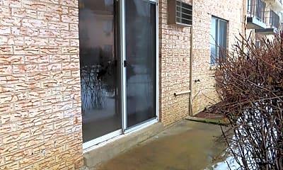 Building, 226 Shorewood Dr GC, 2