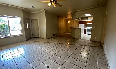 Living Room, 711 Hellenic Dr, 1