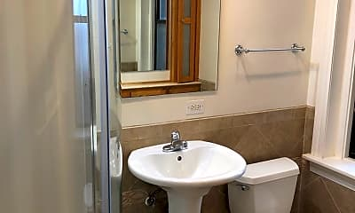 Bathroom, 121 Grandview Ave, 2