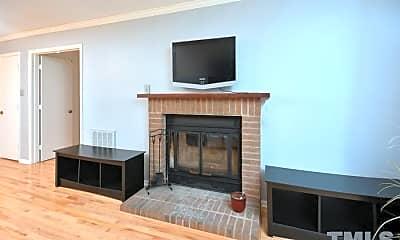 Living Room, 124 Twisted Oak Pl, 2