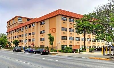 Building, 185 W Park Ave, 0