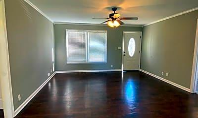 Living Room, 212 Quail Ridge Rd, 1