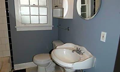 Bathroom, 5409 Crestwood Blvd, 2