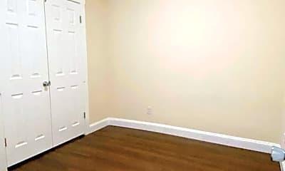Bedroom, 123 E 8th St, 2