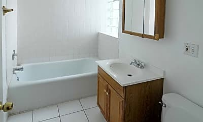 Bathroom, 4300 West Flournoy, 2