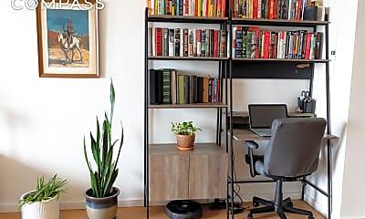 Living Room, 250 Ashland Pl 31-N, 1