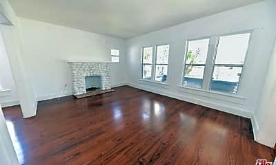 Living Room, 2865 S Corning St, 1