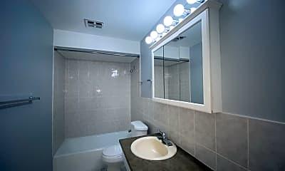Bathroom, 5202 Washington St 405, 2