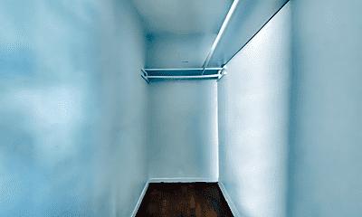 Bathroom, 307 W 4th St, 2