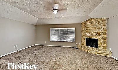 Living Room, 1315 Goswell Ln, 1