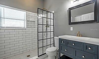 Bathroom, 2707 N 17th St, 2