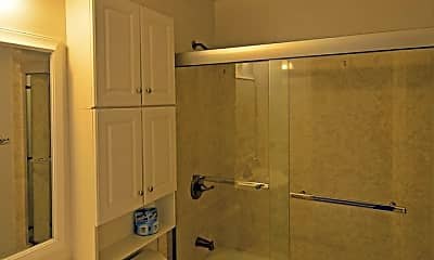 Bathroom, 460 N 3rd St, 2