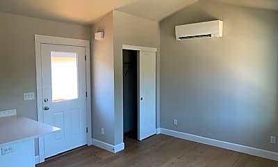 Bedroom, 752 NW Ogden Ave, 1