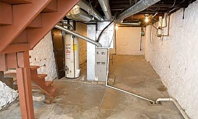 Living Room, 2351 Summit St, 2