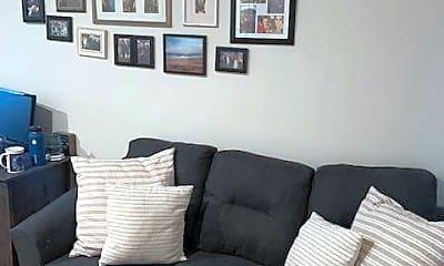 Living Room, 21 Telegraph St, 1