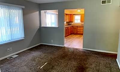 Living Room, 3902 N Sadlier Dr, 1
