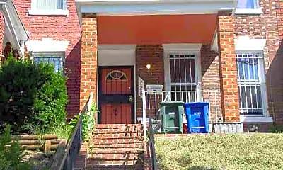 Building, 725 Fairmont St NW, 0
